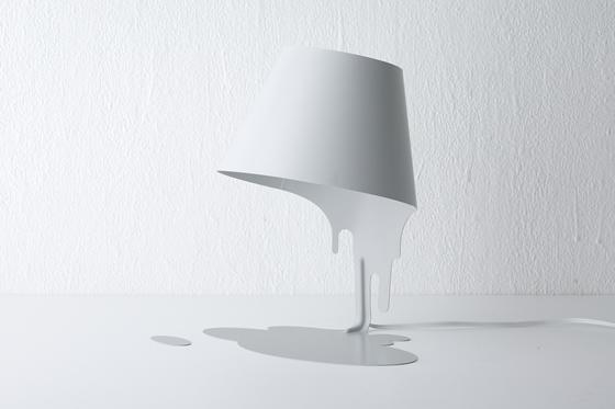 liquid lamp : table ( w ) by kouichi okamoto